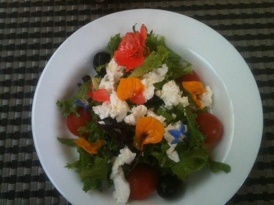 El Fauno Feliz: Ensalada deliciosa de flores :)