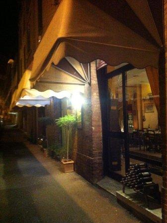 L'Oro di Siena: Veduta esterna del locale