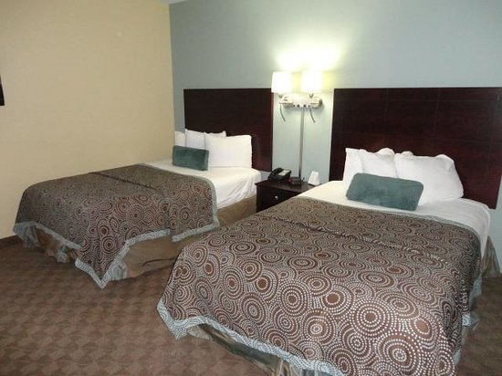 Crestwood Suites Lakeland: Double Suite with Sleeper Sofa