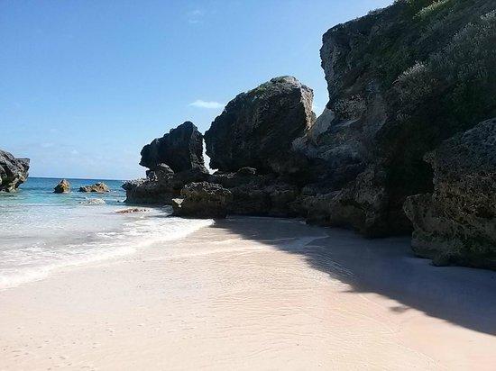 Southampton, Bermuda: Horseshoe Bay (right side)