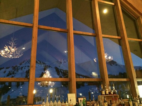 Mammoth Mountain : Gorgeous view from the bar!