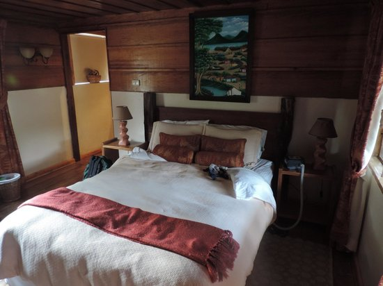 Poas Volcano Lodge: our cozy room
