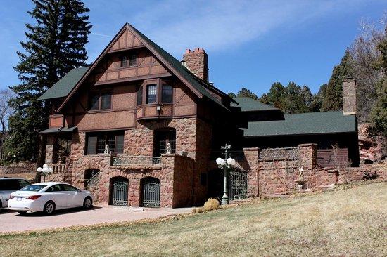 Red Crags Estates: Historic Onaledge B&B