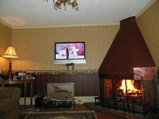 Red Crags Estates : Fireplace Suite at the Onaledge B&B
