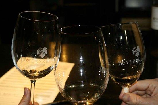 Beyerskloof Tasting Room: Salud!