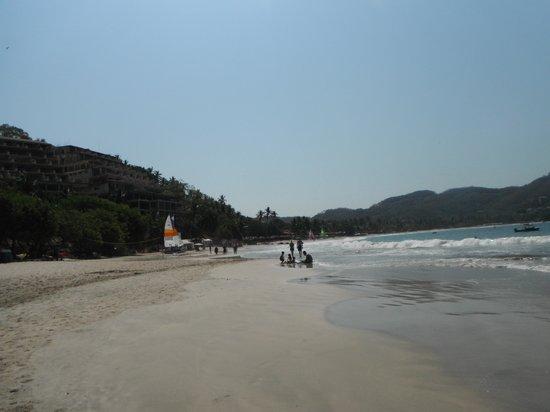 Zihuatanejo Bay: La Ropa beach