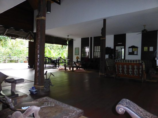 Sukau Rainforest Lodge: Lobby