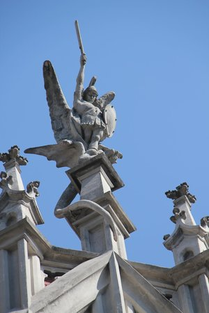 St. Nicolas Cathedral: flying