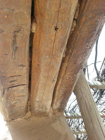 Fort Leaton: Support header over doorway