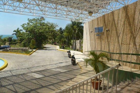 Hotel Tuxpan Varadero: L'entrée