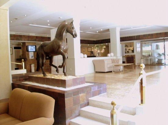 Hotel Jerez & Spa: Hall y recepción.