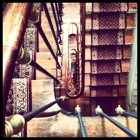 Hotel de la Porte Doree: Escaliers Stairs