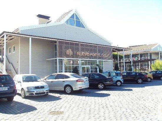Hotel Nuevo Portil golf: Vista del edificio principal del hotel.