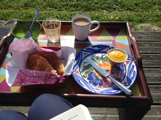 Under The Lime Tree: Breakfast with yummy homemade Lemon Curd