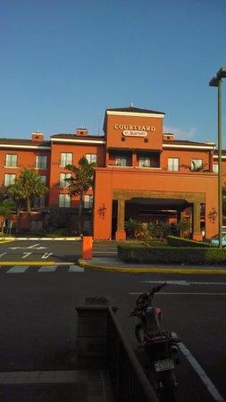 Courtyard by Marriott San Jose Escazu : Bed