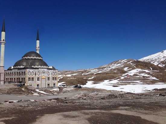 Divan Cave House: Skiing Mt Erciyes