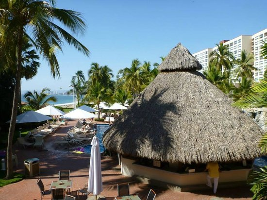 Sheraton Buganvilias Resort & Convention Center: Main pool area.