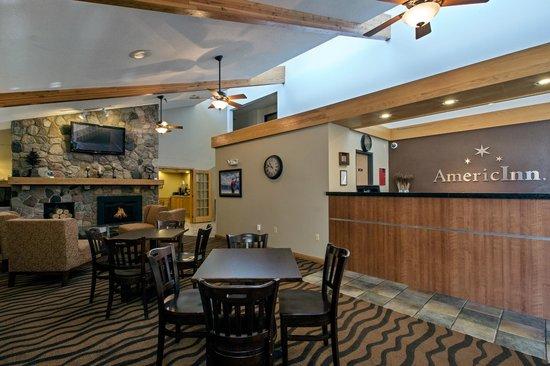 AmericInn Lodge & Suites Bemidji: FRONT DESK/ LOBBY