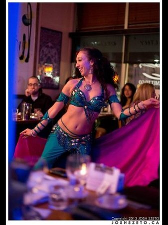 Cafe Istanbul: Bellydance night..lots of fun