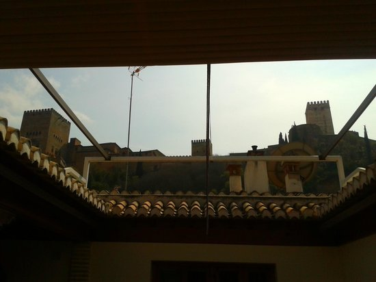 White Nest Hostel Granada: The view of Alhambra