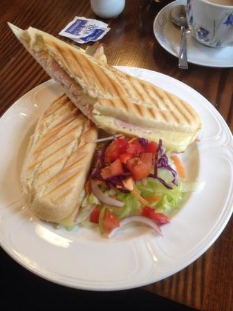 Old Schoolhouse Tearoom: Fresh and tasty