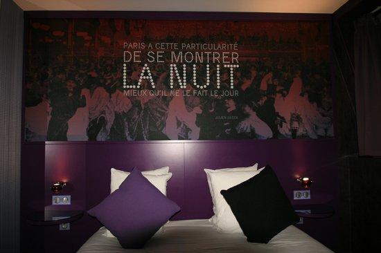 """Chambre """"Montmartre mon amour"""" au 4ème étage"""