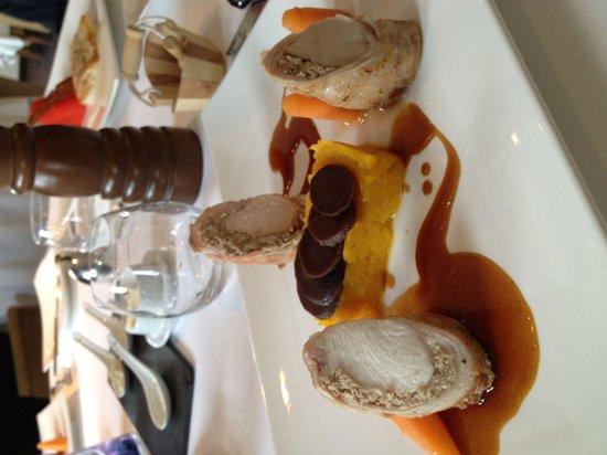 Les Grains D'Argent : The amazing rabbit and 3 kinds of carrots!