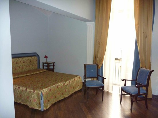 Decumani Hotel de Charme : Zimmer 202 zum Hof