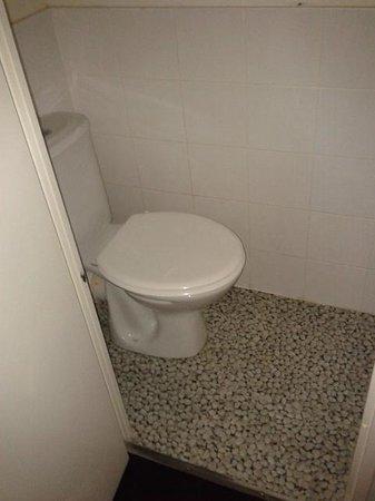 Comfort Hotel Paris La Fayette : bagno