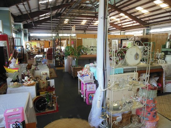 Kailua Pier: Other shops in the mall