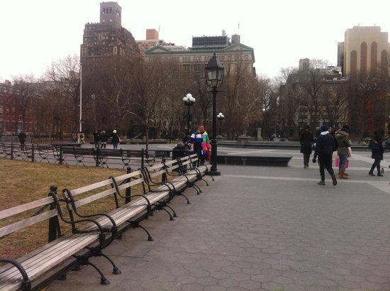 Washington Square Hotel: park