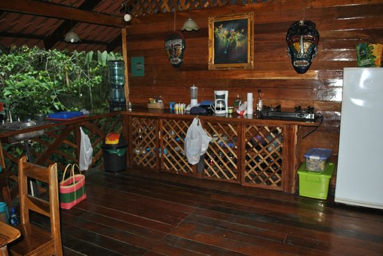 Congo Bongo Boutique Guest Houses: Our kitchen in the River House