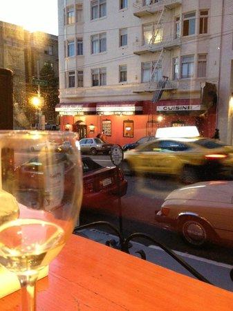 Hotel Carlton, a Joie de Vivre hotel : wine reception looking out the window
