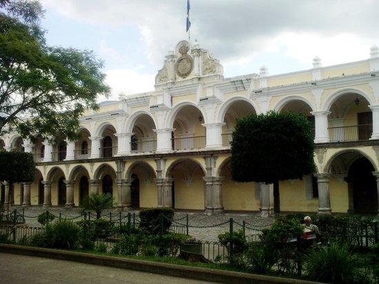 Visita el Palacio de los Capitanes Generales en Antigua Guatemala,