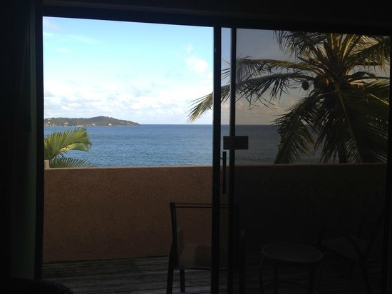 Lindbergh Bay Hotel and Villas: view from inside the room