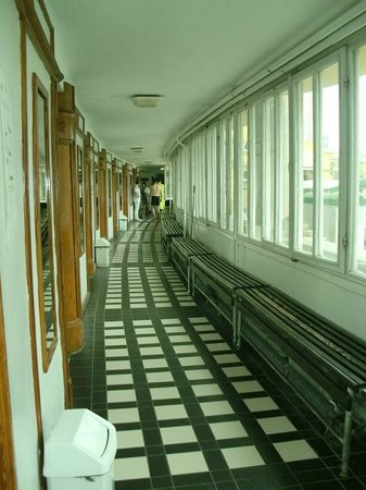 Szechenyi Baths and Pool: Corridor at baths