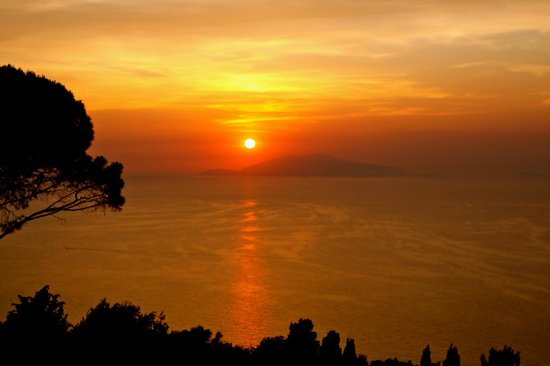 Caesar Augustus Hotel: Beautiful Sunset From Caesar Augustus