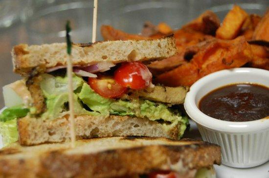 Green Leaf Vegetarian & Vegan Restaurant: Chimichurri Seitan Sandwich