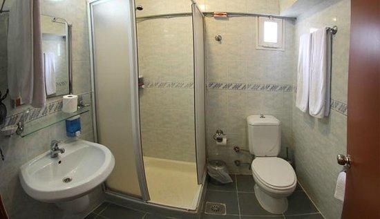 Cenka Hotel: banyo