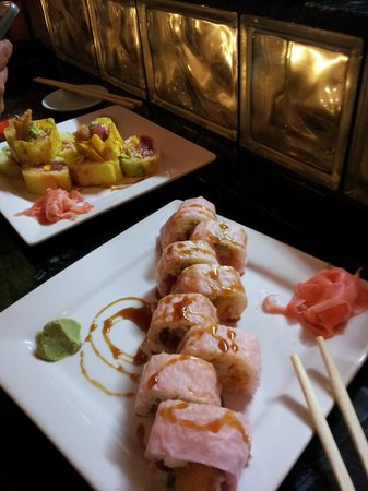 Suehiro Japanese Restaurant : Mango Tango roll