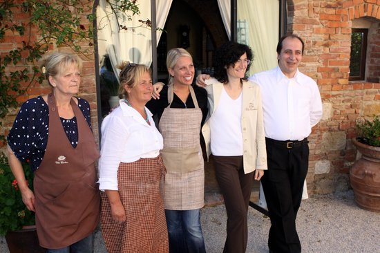 Villa Cicolina: Me With The Wonderful Staff Outside of The Onsite Restaurant After Our Cooking Class!