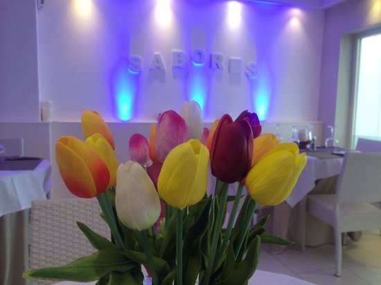 Sabores Restaurant & Tapas: Sabores with tulips. Sabores team on Mother's Day. X