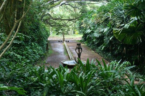 McBryde Garden: Sculpture that McBride designed