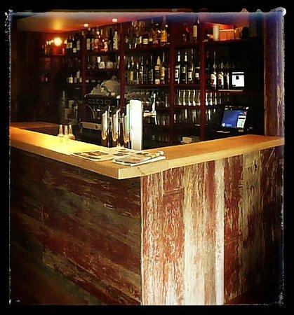 Le Bistrot des Anges: Un bar accueillant