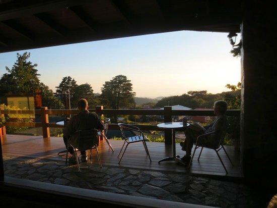 El Establo: Relaxing views from the reception area