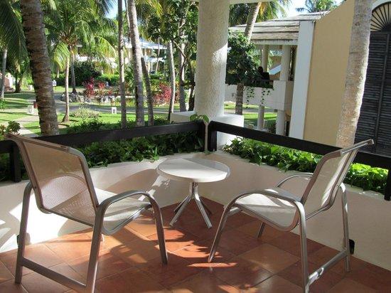 Bavaro Princess All Suites Resort, Spa & Casino: patio