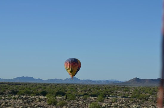 Hot Air Expeditions: Another balloon ahead of our balloon