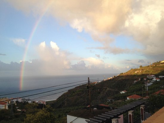 Vila Marta: View from our balcony of ocean and rainbow!