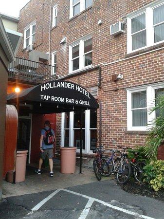 Hollander Hotel: Ótima opção de hotel e bar&restaurante