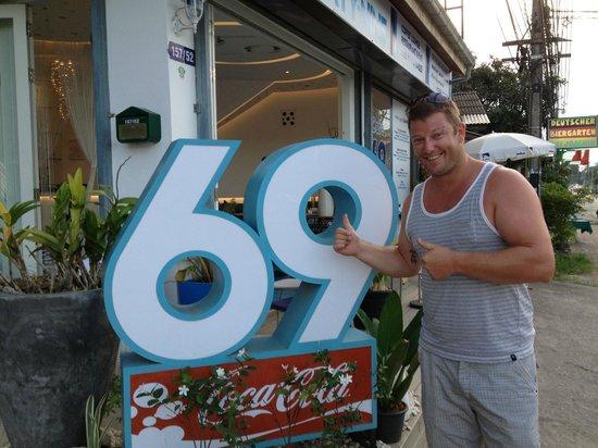 Cafe 69 : 69 =)